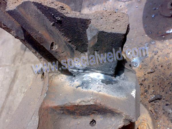 铸铁裂纹焊接修复